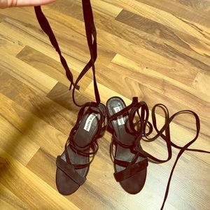 Tie up Steve Madden sandals